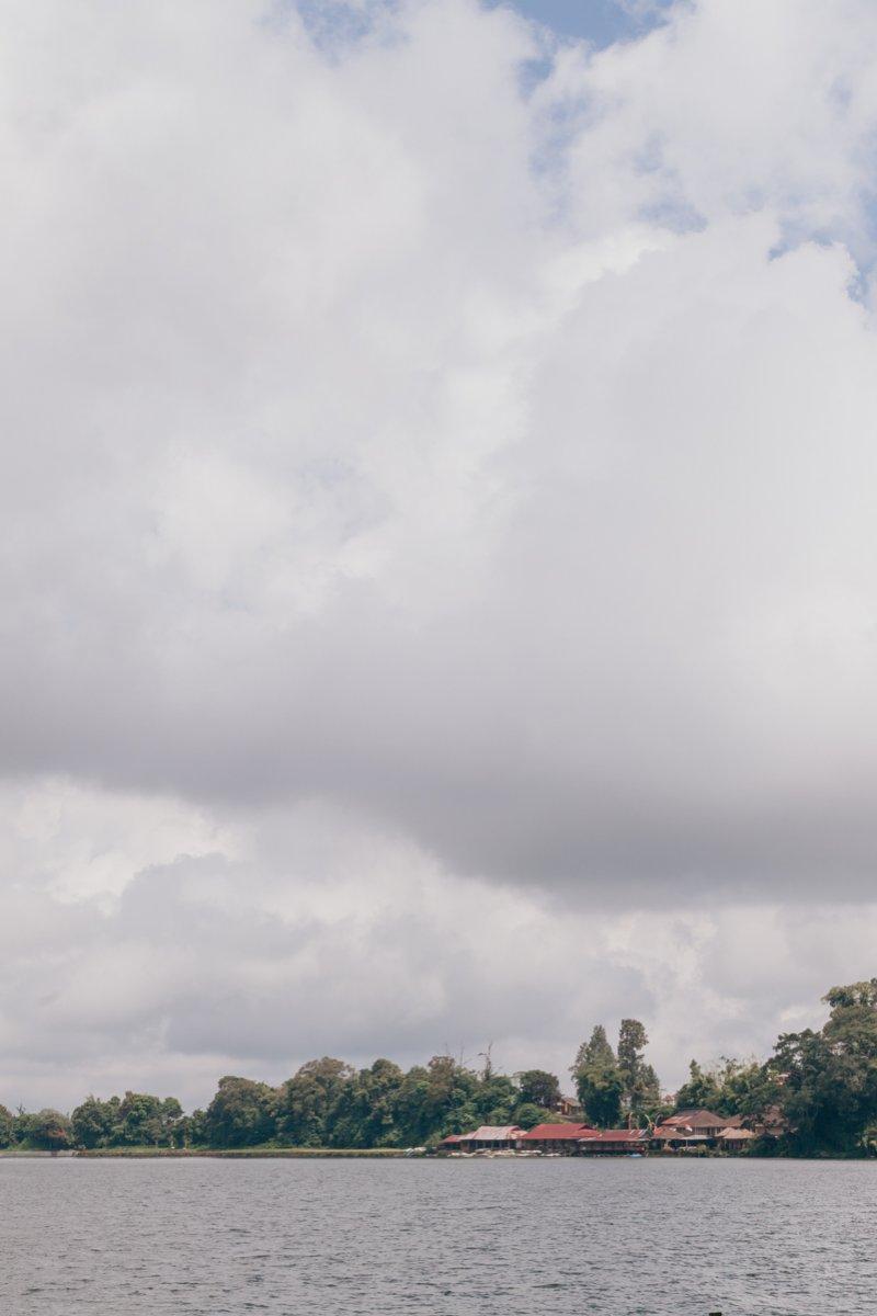 ОЗЕРО БЕРАТАН - BERATAN И ХРАМ УЛУН ДАНУ БЕРАТАН - ULUN DANU BERATAN TEMPLE